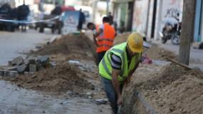 وزير الأشغال يُعلن صرف دفعات مالية لمشاريع البنية التحتية في قطاع غزة