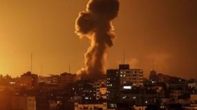 جيش الإحتلال يقصف عدة مواقع في قطاع غزة رداً على البالونات حسب زعمه