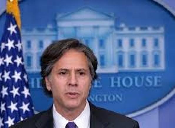 """وزير الخارجية الأمريكية يدعو الرئيس التونسي إلى """"الالتزام بالديمقراطية"""""""