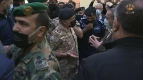 العاهل الأردني وولي عهده يزوران مستشفى السلط بعد فاجعة وفاة ستة أشخاص
