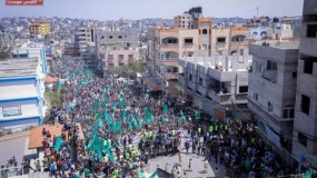 مسيرات حاشدة لحركة حماس شمال القطاع رفضاً لتأجيل الانتخابات ودعماً للقدس