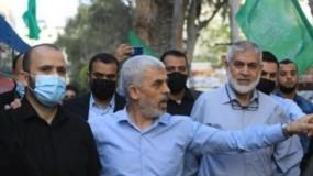أول ظهور للسنوار بعد انتهاء العدوان على قطاع غزة مقدما واجب العزاء