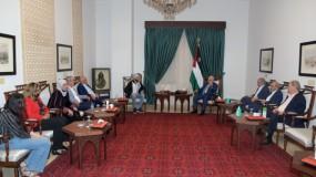 """خلال استقبال """"الغضنفر""""..الرئيس عباس: لن يكون هناك سلام ولا استقرار بالمنطقة إلا بتحرير الأسرى"""