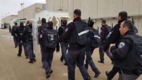 الاحتلال يحول سجن ريمون لثكنة عسكرية والأسرى يجددون حرق الغرف