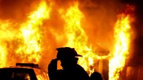 إصابات إثر اندلاع حريق في مصنع للبلاستيك شمال غزة
