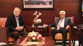 الرئيس عباس يرحب برسالة حماس حول إجراء الانتخابات..ويدعو ناصر لبحث الترتيبات اللازمة