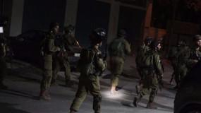 قوات الاحتلال تواصل اقتحاماتها واعتقالاتها في الضفة والقدس وتهاجم المواطنين بنابلس ومحيطها